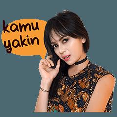 Batik Girl: Ismi Melinda